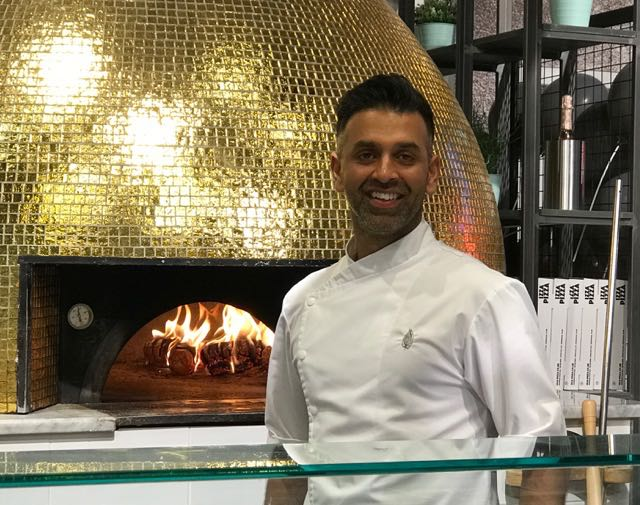 Out In Brum - Izza Pizza - Aktar by the Pizza Oven
